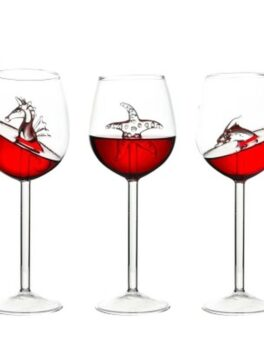 New Creative Shark Wine Glass Goblet Built-in Hippocampus Starfish Dolphin High Borosilicate Glass Cocktail Bar Decorate Tools