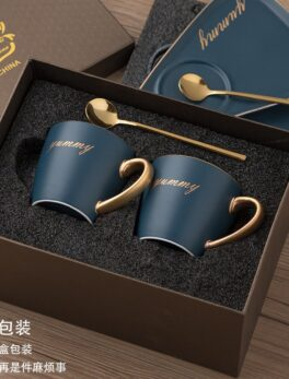 European Ceramic Coffee Cups and Saucer Sets Luxury Coffee Mug Travel Personalized Coffee Mugs Creative Tazas Water Bottle Bb50